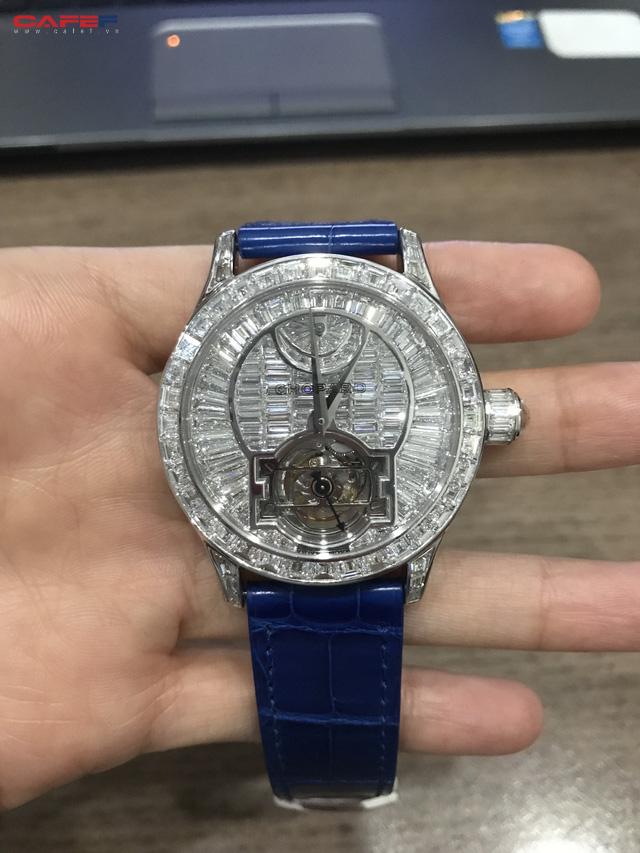 Thêm một đại gia Việt chi tới 14 tỷ đồng để sở hữu đồng hồ Chopard phiên bản giới hạn, cả thế giới có 10 chiếc! - Ảnh 1.