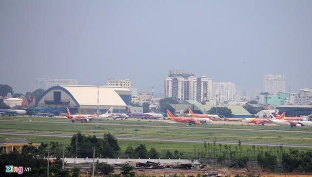 Đưa cây tre Bamboo Airways lên trời, tỷ phú Trịnh Văn Quyết sẽ giải quyết 2 bài toán sau thế nào: Tìm phi công ở đâu và đỗ máy bay chỗ nào? - Ảnh 3.