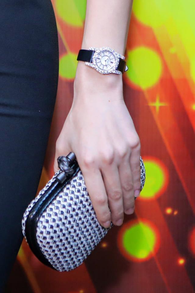Có gì đặc biệt trong mẫu đồng hồ hơn 1 tỷ đang chinh phục những người nổi tiếng sành hàng hiệu - Ảnh 2.