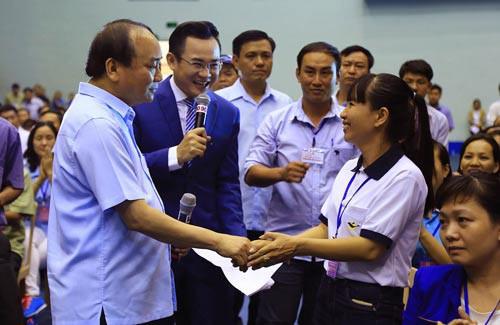 Thủ tướng đối thoại với 800 công nhân vào đầu tháng 5-2018 - Ảnh 1.
