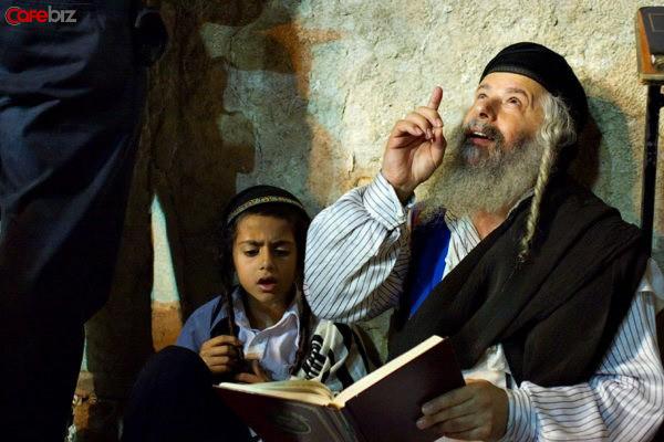 Bài học từ kẻ ăn mày duy nhất: 4 câu chuyện cho thấy lối tư duy khác lạ của người Do Thái khiến họ thành công - Ảnh 1.