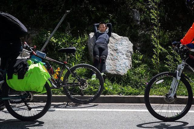 Ông bố của năm, quyết rủ cậu con trai cùng đạp xe hơn 2000km để thử thách lòng kiên trì - Ảnh 20.