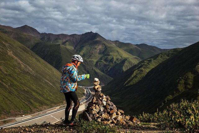 Ông bố của năm, quyết rủ cậu con trai cùng đạp xe hơn 2000km để thử thách lòng kiên trì - Ảnh 9.