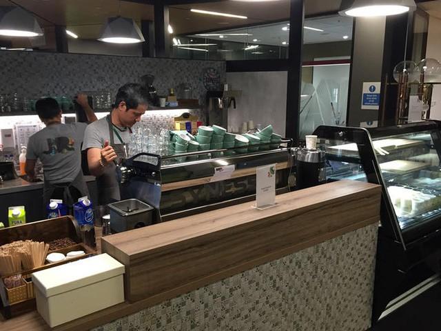 Văn phòng Google tại Singapore: Đồ ăn miễn phí, nhân viên có phòng ngủ, phòng cầu nguyện, cắt tóc, các bà mẹ có chỗ cho con bú, vắt sữa... - Ảnh 8.