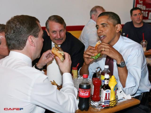 Thói quen ăn uống và tập thể dục khác một trời một vực của Barack Obama và Donald Trump: Chỉ có một điểm chung duy nhất! - Ảnh 3.
