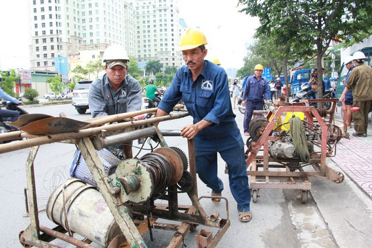 Chưa chốt giá thuê máy bơm chống ngập đường Nguyễn Hữu Cảnh - Ảnh 3.