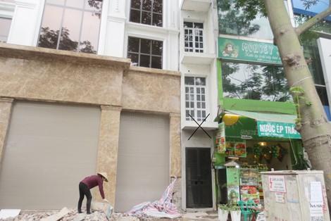 Sẽ cưỡng chế công trình nhà siêu mỏng mặt đường 1m trên phố Lý Thường Kiệt - Ảnh 1.