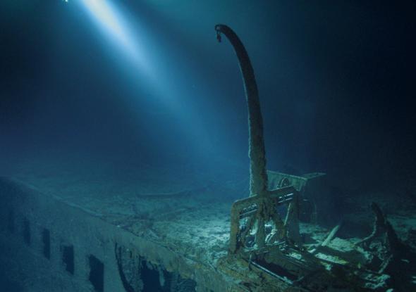 Lặn sâu 4.000m xuống đáy biển, khám phá thế giới chưa từng kể của tàu Titanic huyền thoại - Ảnh 5.