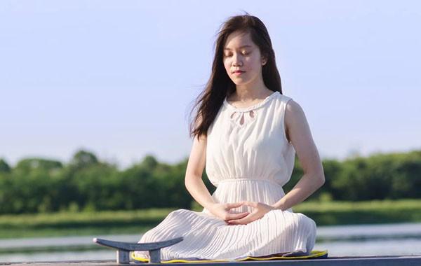 Thiền định có thể giúp bạn tập trung và duy trì não bộ tươi trẻ - Ảnh 1.