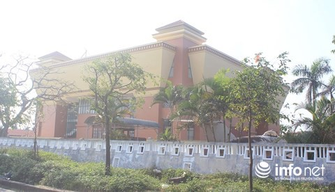 Quảng Bình: Bảo tàng tiền tỷ cửa đóng, then cài suốt... 15 năm - Ảnh 3.