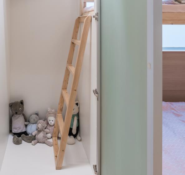 Thiết kế phá cách, ấn tượng của căn hộ cao tầng hơn 100m2 cho gia đình có con nhỏ - Ảnh 13.