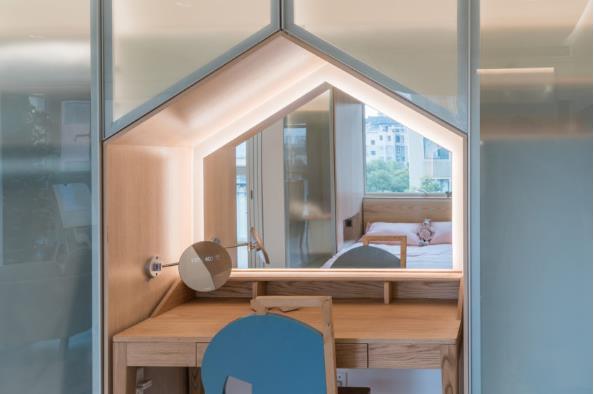 Thiết kế phá cách, ấn tượng của căn hộ cao tầng hơn 100m2 cho gia đình có con nhỏ - Ảnh 16.