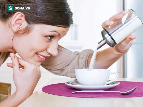 Không chỉ có rượu, thường xuyên ăn những thực phẩm sau cũng hại gan không kém - Ảnh 1.