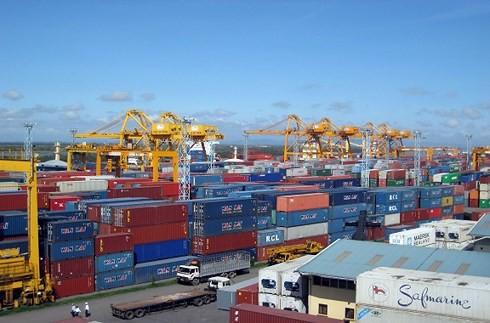 Việt Nam thặng dư thương mại 3,39 tỷ USD trong 4 tháng đầu năm - Ảnh 1.
