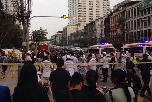 Nhiều người Việt bị thương trong vụ cháy chung cư ở Bangkok - Ảnh 2.