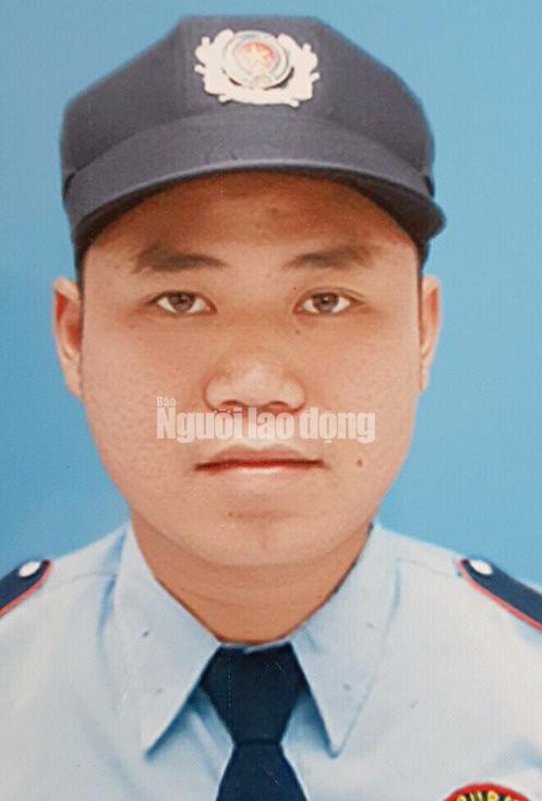 Truy nã kẻ cướp ngân hàng tại quận Tân Phú - Ảnh 2.