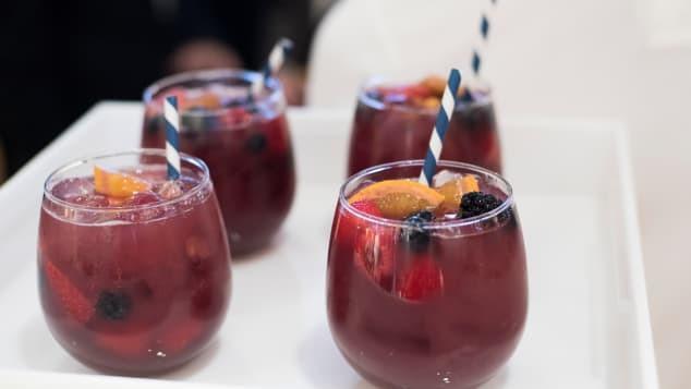 CNN bình chọn 15 thức uống hảo hạng nhất thế giới: Loại nước mà ngày nào ta cũng dùng bất ngờ nằm ở vị trí số 1 - Ảnh 5.