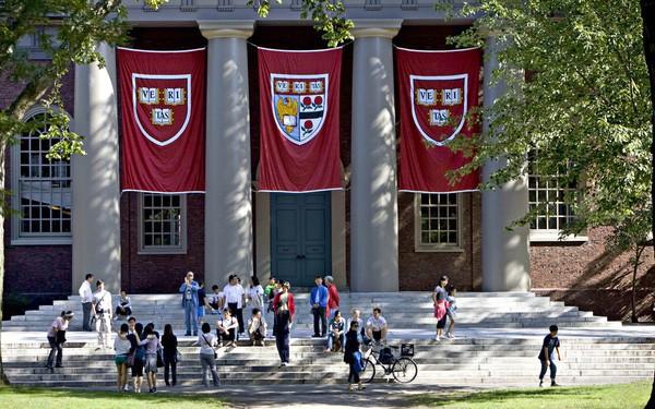 Bảng xếp hạng đại học: Harvard tiếp tục đứng đầu, trường Singapore và Bắc Kinh gây ấn tượng mạnh mẽ - Ảnh 1.