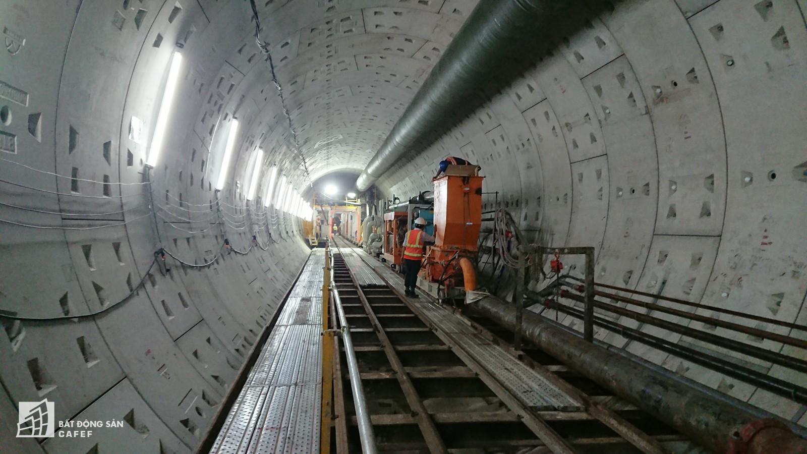 Ngắm đường hầm tàu điện đầu tiên tại Việt Nam sâu 17m dưới lòng đất Sài Gòn - Ảnh 9.