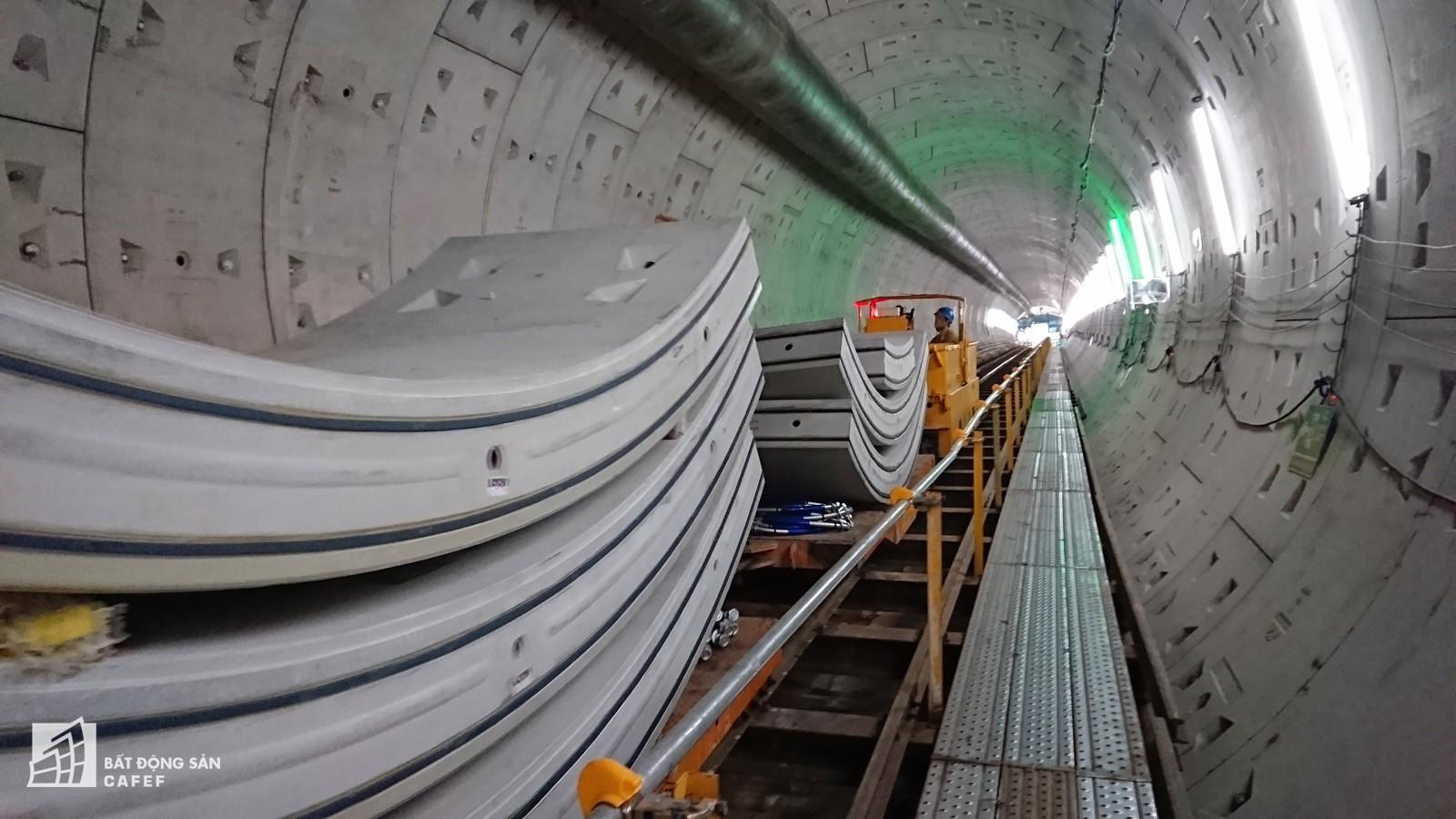 Ngắm đường hầm tàu điện đầu tiên tại Việt Nam sâu 17m dưới lòng đất Sài Gòn - Ảnh 8.