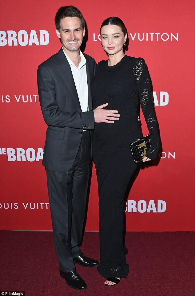 Miranda Kerr đã sinh con cho chồng tỷ phú, tên và giới tính em bé cũng được tiết lộ - Ảnh 1.