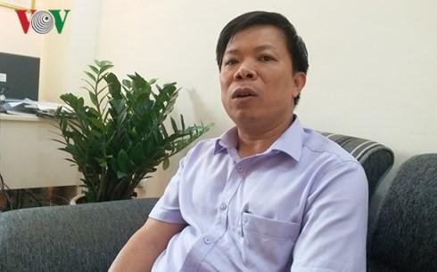 Nguyên Giám đốc Bệnh viện tỉnh Hòa Bình vắng mặt tòa: Luật sư nói gì? - Ảnh 1.