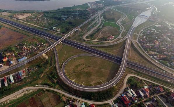 Những tuyến đường dát kim cương, đường đắt nhất hành tinh tại Việt Nam - Ảnh 3.