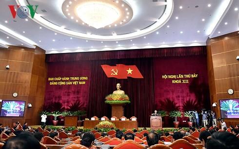 Bế mạc Hội nghị T.Ư 7: Đề cao giải pháp kiểm soát quyền lực, chống chạy chức quyền - Ảnh 2.