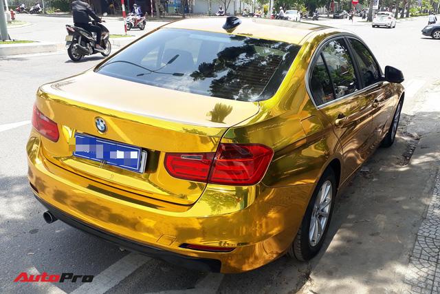 """Kỳ công """"dát vàng"""" phong cách dân chơi UAE cho chiếc BMW của chủ khách sạn tại Đà Nẵng - Ảnh 2."""