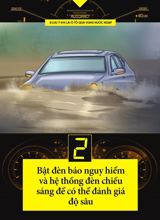 8 lưu ý khi lái ô tô qua vùng nước ngập - Ảnh 2.