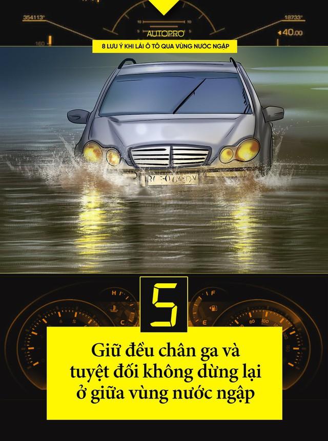 8 lưu ý khi lái ô tô qua vùng nước ngập - Ảnh 5.