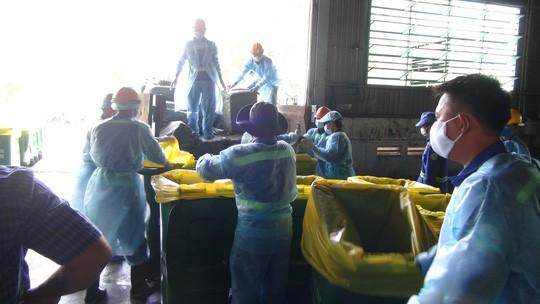 TP HCM tiêu huỷ gần 14 tấn vú heo thối - Ảnh 4.