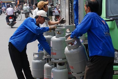Chậm bỏ quy định vô lý, doanh nghiệp gas bế tắc - Ảnh 1.