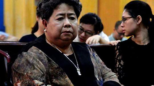 16 ngân hàng bị mời ra tòa trong phiên xử đại gia Hứa Thị Phấn - Ảnh 1.