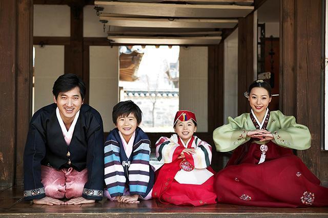 Không hẹn hò, không kết hôn và không sinh con: Thực trạng đang gây hoang mang trong xã hội Hàn Quốc - Ảnh 2.