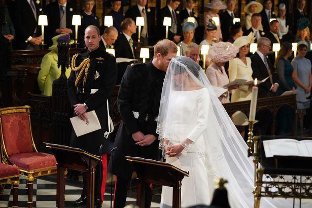 Những khoảnh khắc lãng mạn nhất trong đám cưới Hoàng tử Anh - Ảnh 2.