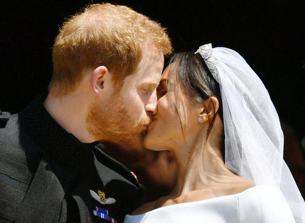 Những khoảnh khắc lãng mạn nhất trong đám cưới Hoàng tử Anh - Ảnh 6.