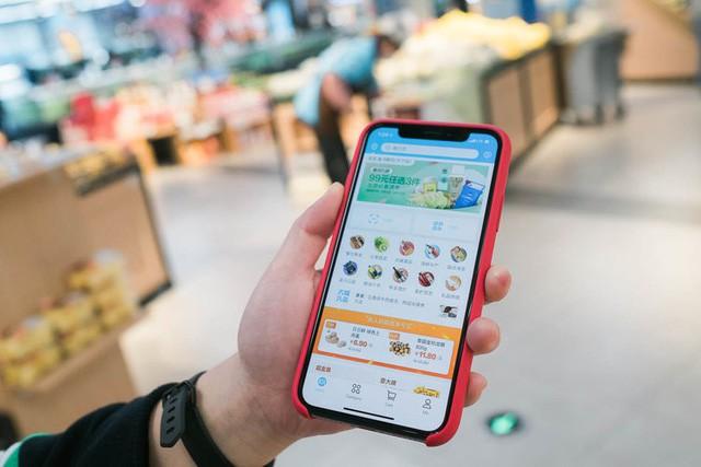 Siêu thị tương lai của Alibaba tại Trung Quốc đã vượt xa nước Mỹ: Giao hàng trong 30 phút, thanh toán qua nhân diện khuôn mặt - Ảnh 2.
