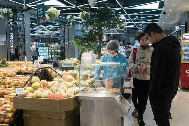 Siêu thị tương lai của Alibaba tại Trung Quốc đã vượt xa nước Mỹ: Giao hàng trong 30 phút, thanh toán qua nhân diện khuôn mặt - Ảnh 4.