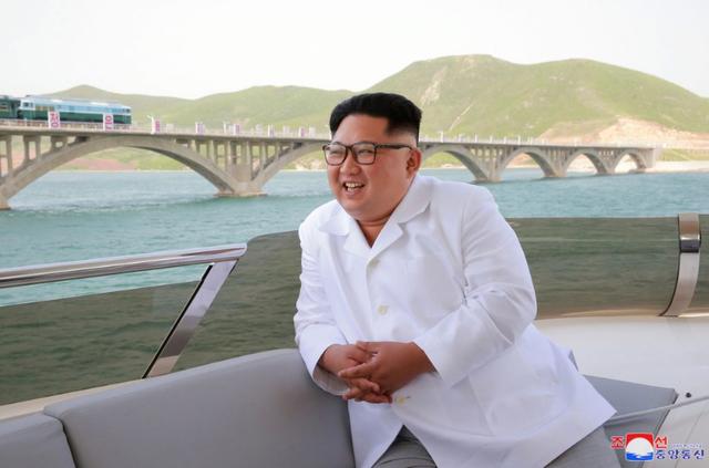 Phân tích những điểm lạc quan bất thường trong bức thư ông Trump gửi Triều Tiên - Ảnh 1.
