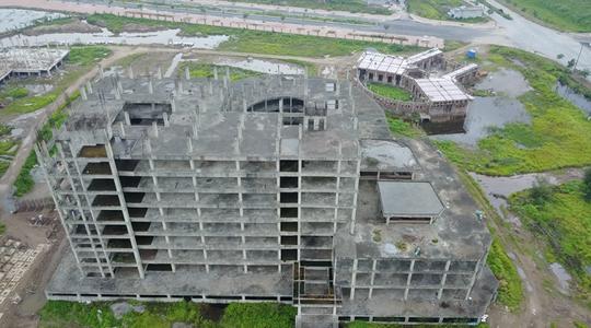 Cận cảnh hoang tàn dự án bệnh viện 700 giường đầu tư 850 tỉ đồng - Ảnh 2.