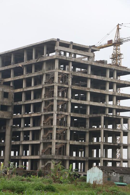 Cận cảnh hoang tàn dự án bệnh viện 700 giường đầu tư 850 tỉ đồng - Ảnh 14.