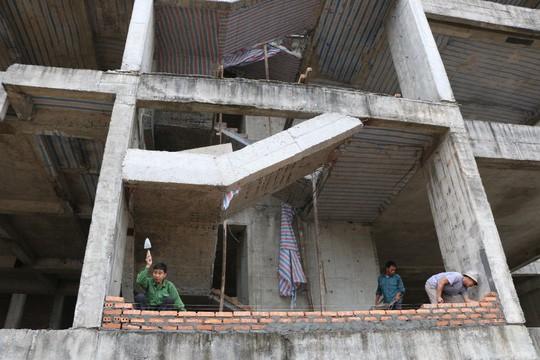Cận cảnh hoang tàn dự án bệnh viện 700 giường đầu tư 850 tỉ đồng - Ảnh 10.