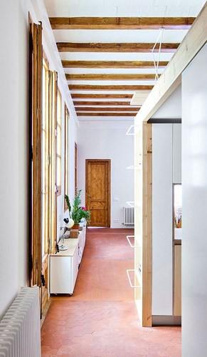 Sử dụng bên trong xe sáng tạo trong căn hộ cao tầng 70 m2 - Ảnh 3.