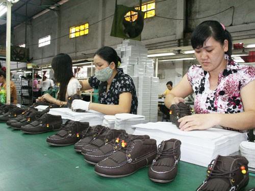 Sớm có phương án xử lý chênh lệch mức lương hưu với lao động nữ - Ảnh 1.