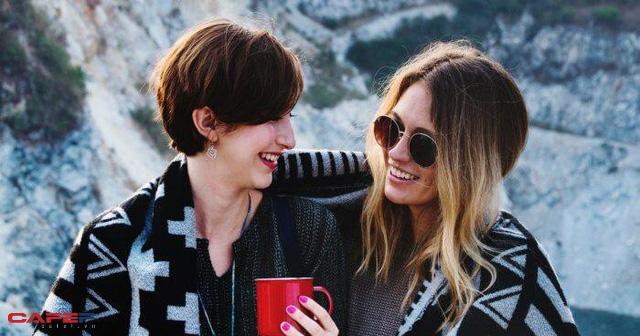Giàu vì bạn: Đây là lí do việc xây dựng tình bạn nơi công sở khiến bạn thành công và hạnh phúc hơn - Ảnh 1.