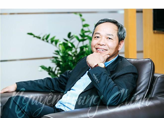 Từ thành viên nhóm nghiên cứu sản xuất máy tính đầu tiên đến Chủ tịch Tập đoàn CNTT số 2 Việt Nam: Cả đời đam mê chinh phục thế giới số - Ảnh 10.