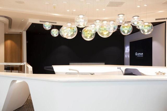 Phòng chờ sân bay Lexus - Cách chiều khách nhà giàu của hãng xe sang Nhật Bản - Ảnh 4.