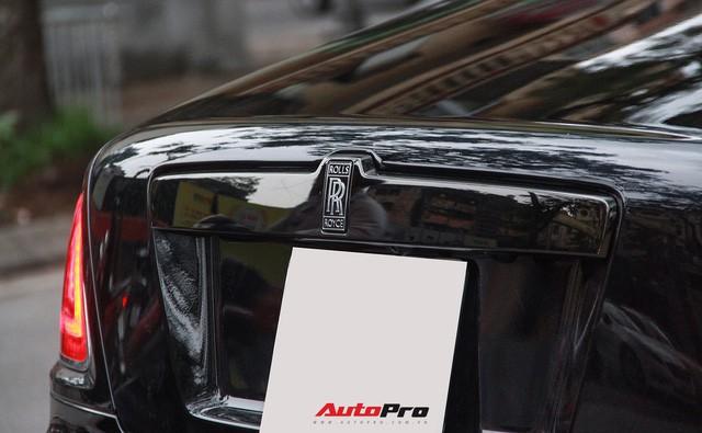 Bộ ba Rolls-Royce bản Black Badge với 3 phong cách nội thất độc đáo tại Việt Nam - Ảnh 7.