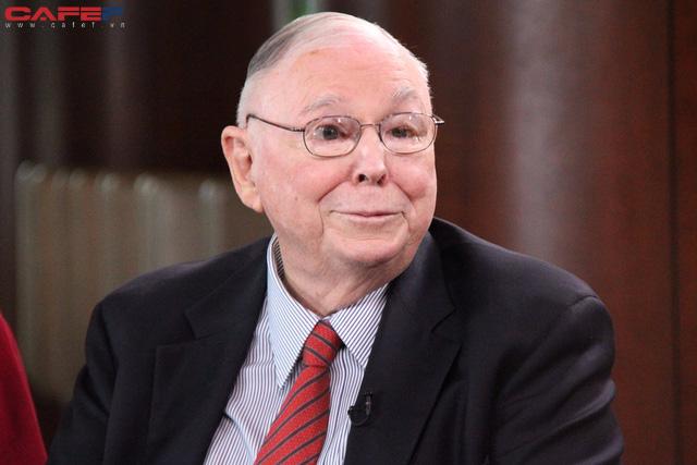 """Tỷ phú Warren Buffett: """"Đừng chỉ chăm chú kiếm tấm bằng đại học, giáo dục tốt nhất là đầu tư cho chính bản thân bằng 2 cách sau"""" - Ảnh 1."""